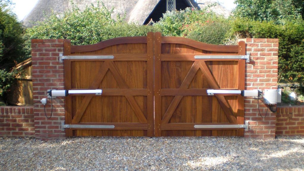 Specialists in Automatic & Electric Gates - South Coast Fencing